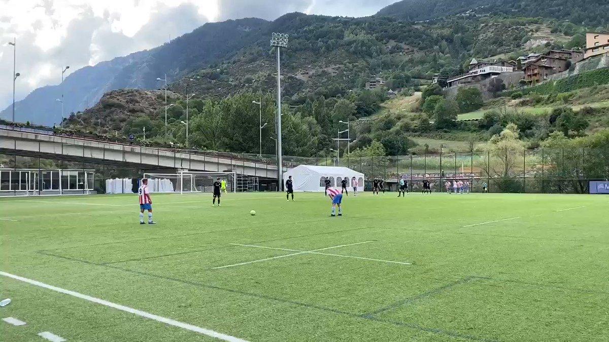 Min. 5 | 0-0 | 💥 Ocasió del @cfmartorell   Falta penjada a l'àrea que bloca @Diego_Huesca amb una bona sortida.  #AndorraMartorell #SomTricolors🔵🟡🔴 #MésViusQueMai