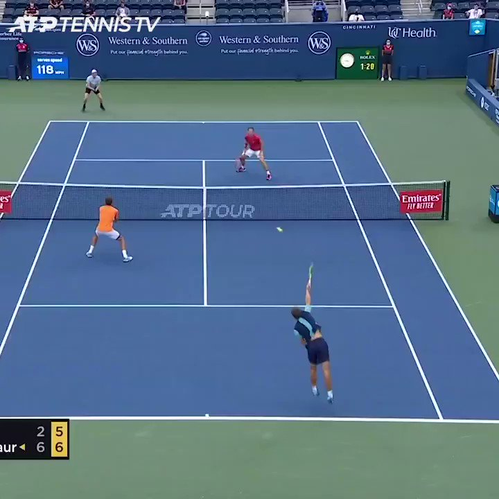 """""""Nerves? Don't think so!""""  @alexdeminaur served out his first doubles 🏆 in style. 😎  #CInCyTENNIS https://t.co/t763aN8Qfa"""
