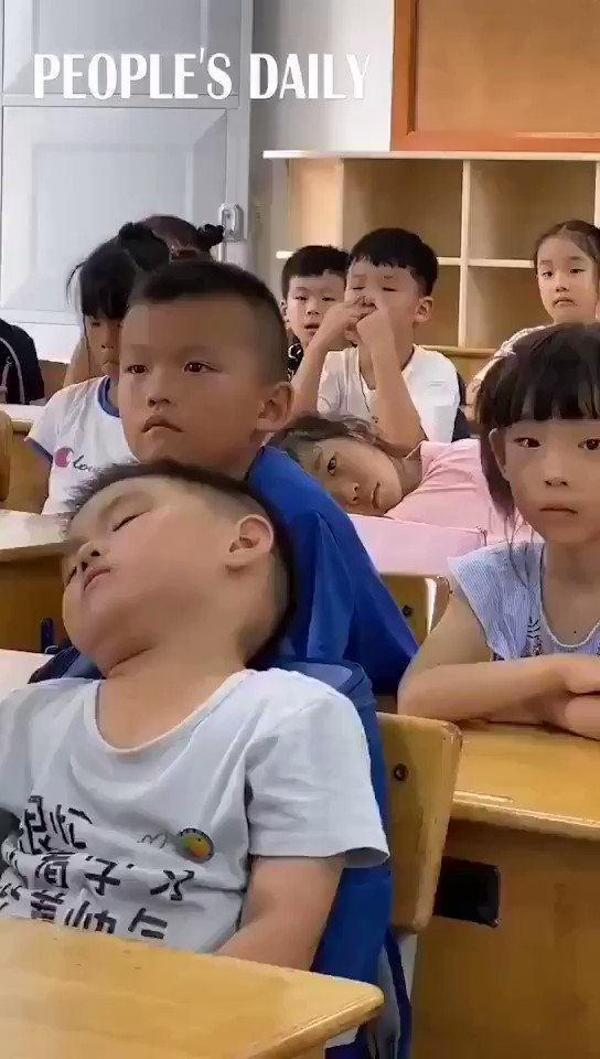 Does this mean Adorable Chinese boy remind you of your childhood #chinafocus #BBNaija #NewsGang #بيروت #ChineseAppsBanned
