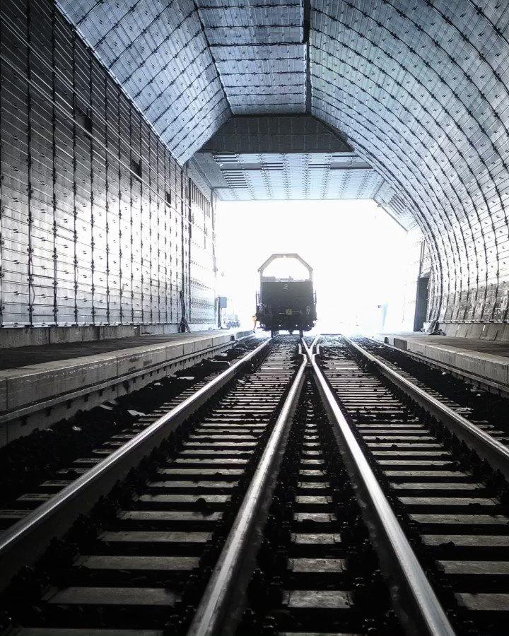Nach über 12 Jahren Bauzeit ist er endlich fertig: Der Ceneri-Basistunnel, das drittgrösste Tunnelbauprojekt der Schweiz, wird heute eröffnet 🎉🚇 #Ceneri2020 https://t.co/VxH6fjeVkc