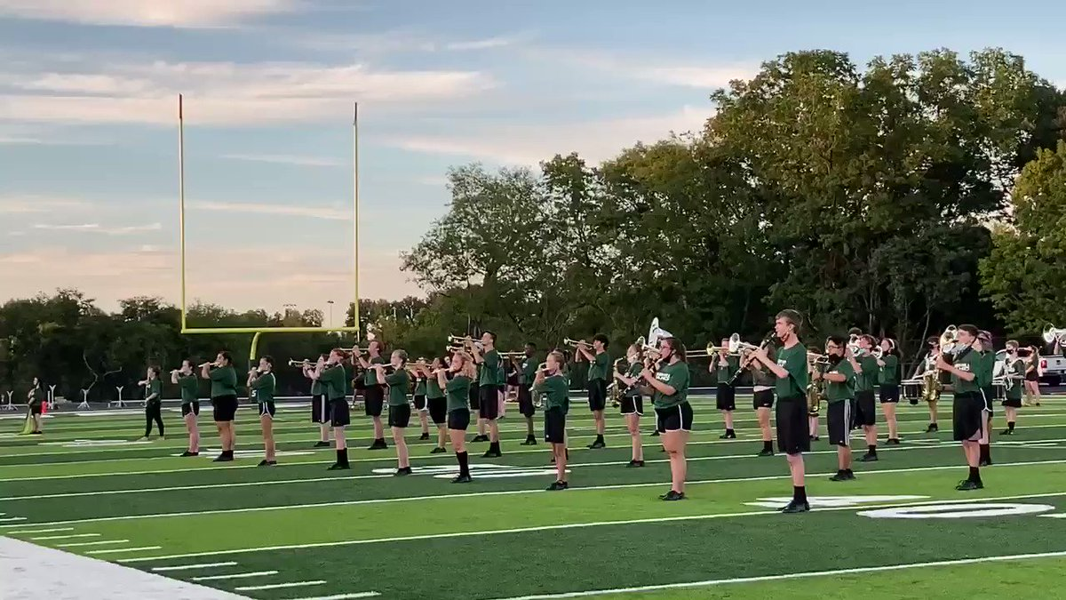 First home game in @GreenHill_Hawks history ready to kick off 🏈 @Kreager @NashvillePreps