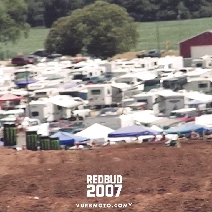 Crazy battle in the Lites class at RedBud in 2007. Ryan Villopoto with the holeshot and Ben Townley gets around! https://t.co/zdMnr5XcTB