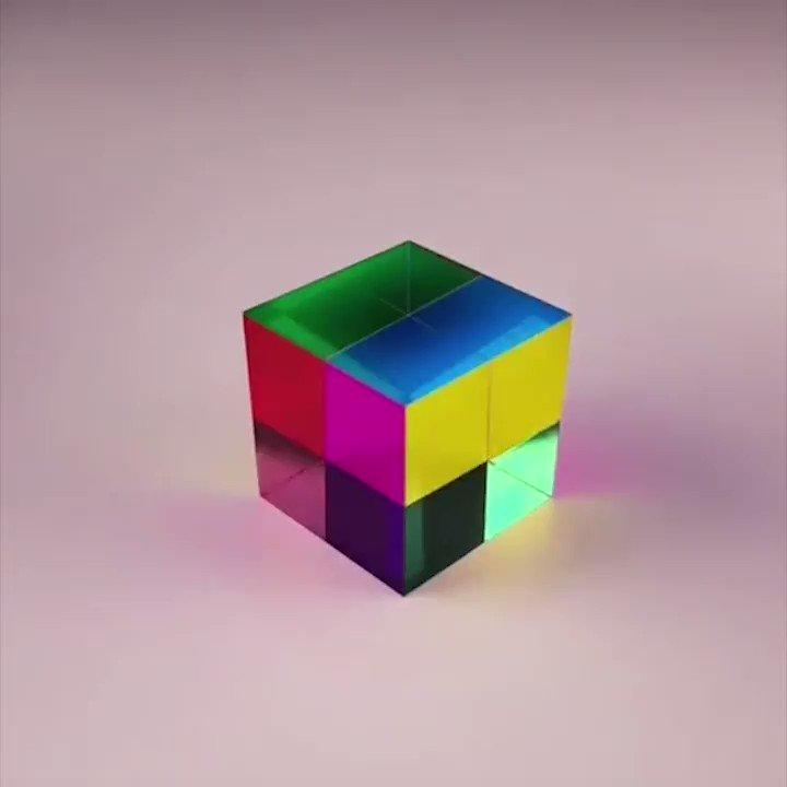 色の三原色、シアン(cyan)・マゼンタ(magenta)・イエロー(yellow)が側面に配色されたアクリルキューブ「CMY cube」。見える角度によってこれらの色が混ざり合い、さまざまな新しい色が現れます。まるで魔法のアイテムのようです...