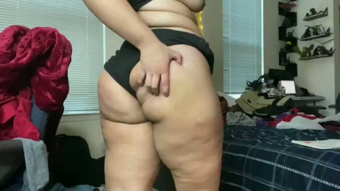 I sold another #clip! Worship My Stinky Butthole, You Pig JOI https://t.co/HMyOnlaF9E #ASSSMELLING via