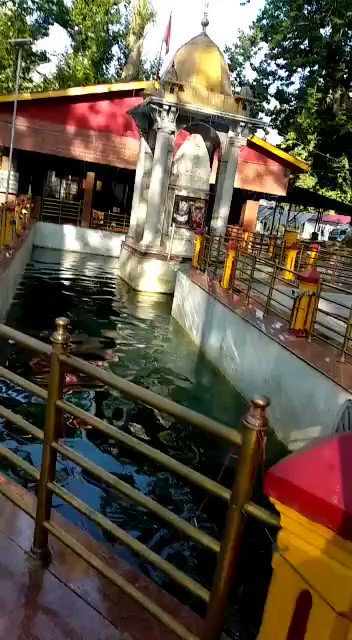 Water at #KheerBhawani changes colours based on the situation in the valley/country. Darker the shade , more dangerous the situation or event to occur. Very seldom do we see this color. Let's all keep our fingers crossed.  #JaiMataKi #TullaMulla  #COVIDー19  #ChinaIndiaFaceoff