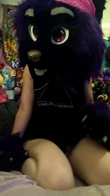 Won't you cum and feel how soft and squishy I am? Beware, I'll smother you with my titties! 🙀😽😈🖤 https://t