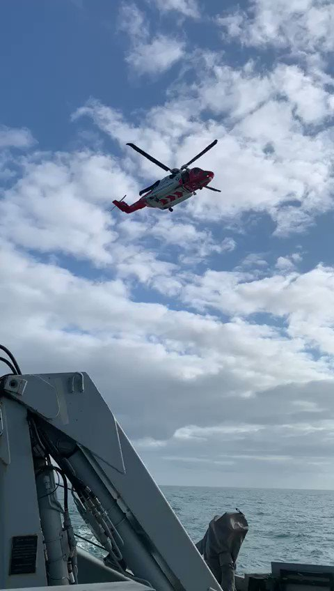 Our transit home provided a good opportunity to conduct some routine training with @IrishCoastGuard! @HMSBlyth working with our close partners to support maritime safety in the Irish Sea #AlwaysReady @RoyalNavy #TheSpartans 🇬🇧🇮🇪