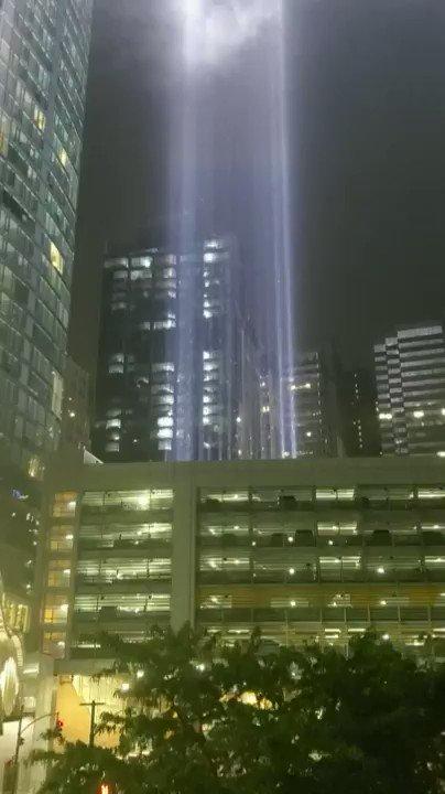 "New York City's ""9/11 Tribute In Light"" installation shimmering in the rain last night. #Remember911  https://t.co/NVRsoG5xef via r/nyc https://t.co/d2RB8dVdeJ"