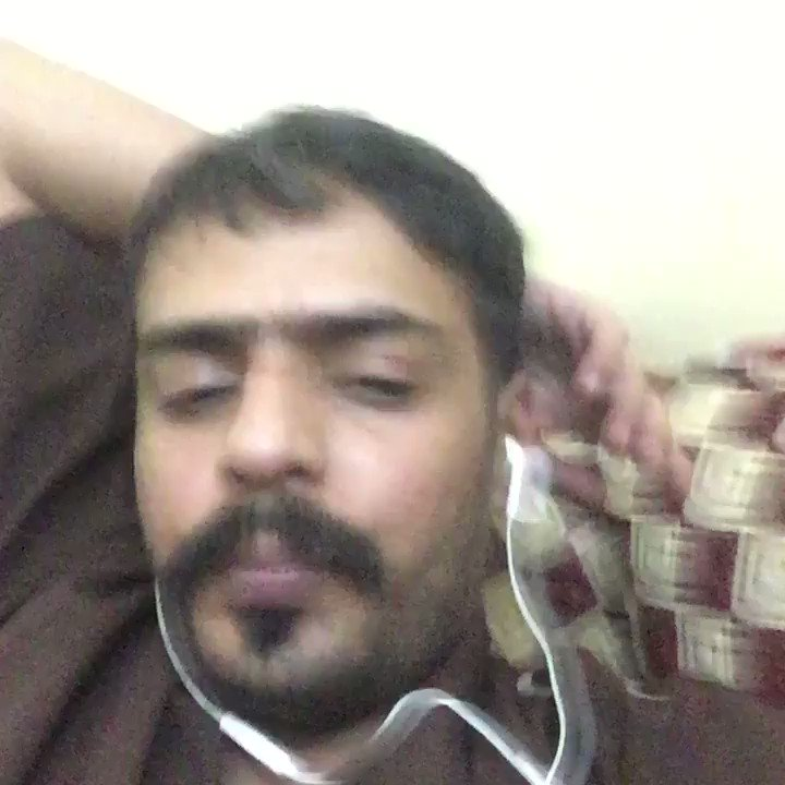المغرد الساخر #البناخي ترك خلفه عائلة كبيرة وهو معيلها الوحيد بسبب نقاطع فيديو ساخرة كان يعلق فيها على الأحداث حوله. #٣سنوات_على_حملة_سبتمبر