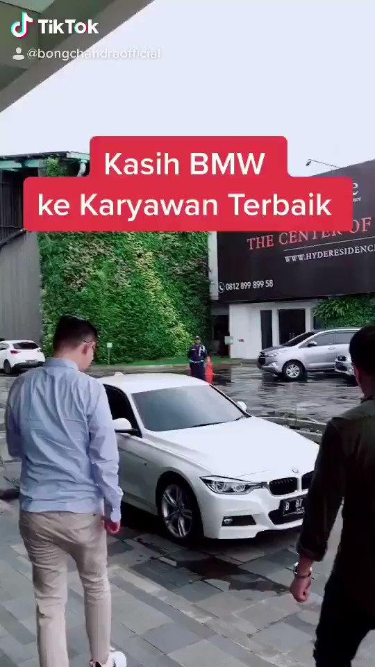 Throwback Video tahun 2018, ketika sy memberikan reward BMW ke Sales terbaik, BPKB langsung a/n nama Herman Yosef. Instagram @herman_yosef