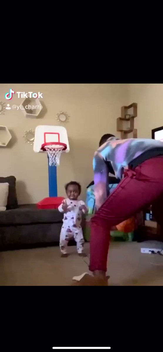 Lmao he ain't have to shake his baby like that NIE! 🥴😂😂😂😂