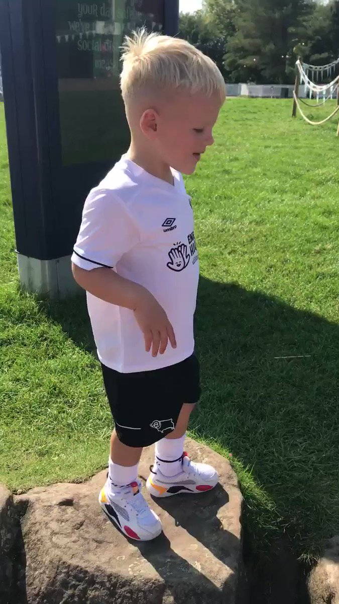 Turned 3 today, Dressed in his new @dcfcofficial kit and lets @altontowers know were all Derby! 🖤🐏 C'mon boys get a win tomorrow and a B'day shout out! @Mwaghorn_9 @TheCurtisDavies @DuaneHolmes presents accepted too 😘 https://t.co/NDom6Rx9ci