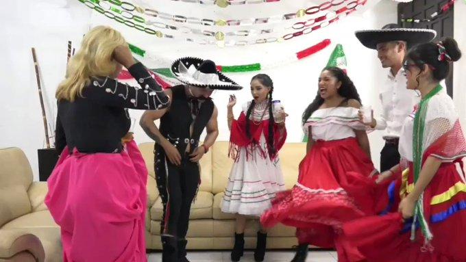 Checa la primera parte de nuestra noche mexicana, nos dimos todos contra todos ya está lista en : https://t
