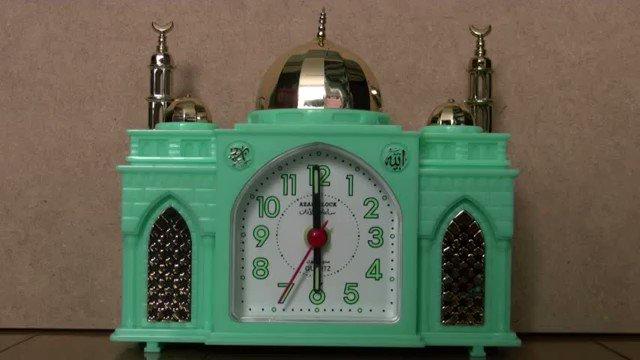 「早朝に奇声を発している」とアパートの管理会社から警告が来たときに使っていた目覚まし時計です(現物は転勤時に部下に譲った)