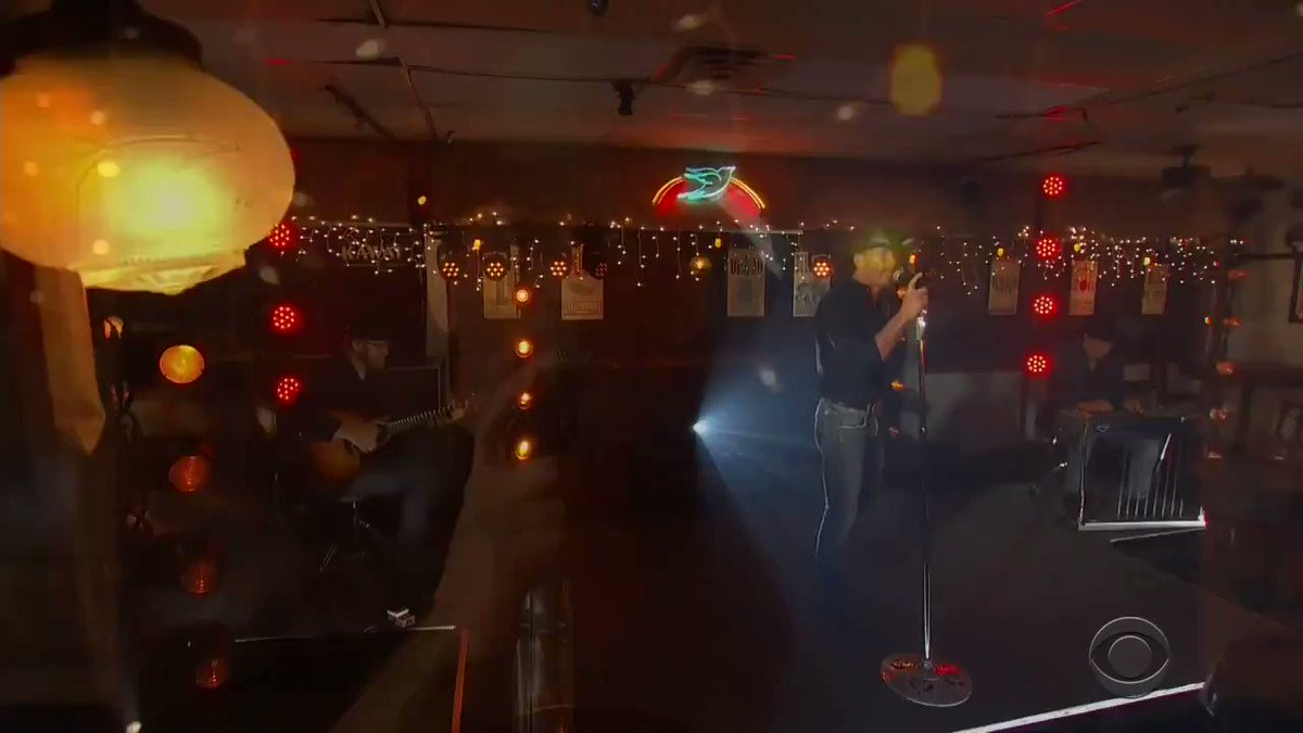 Thanx @ACMawards!!Awesome to be back on the @BluebirdCafeTN stage after all these years....   #ICALLEDMAMA #ACMawards https://t.co/NJIWBtbh16