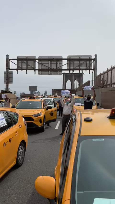 Brooklyn Bridge is SHUT DOWN! Taxi drivers demand debt forgiveness now!