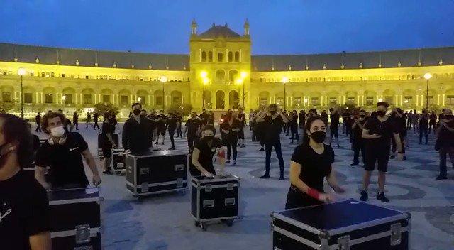 Sevilla, Barcelona, Logroño, Madrid.... hoy todos nos hemos unido para defender la cultura, para defender la música en vivo, los eventos... porque la cultura es segura y nuestros eventos también. #HacemosEventos #AlertaRoja
