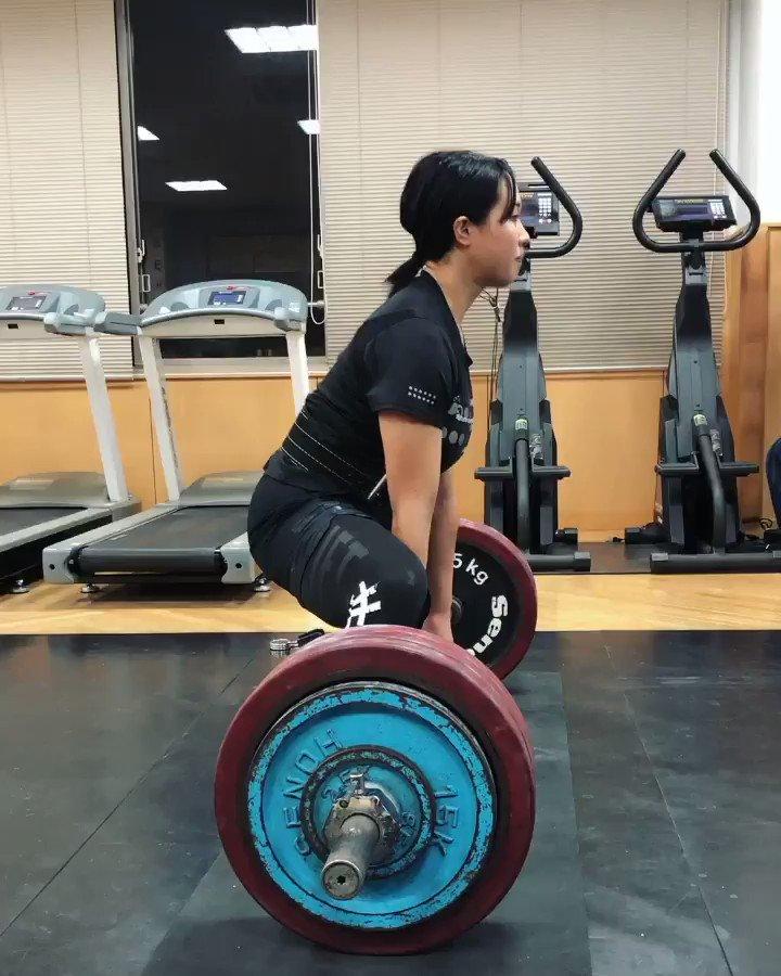デッドリフト210kg練習ベストを10kg更新しました👏👏自分でもびっくりです😳もっと強くなれるようがんばります!