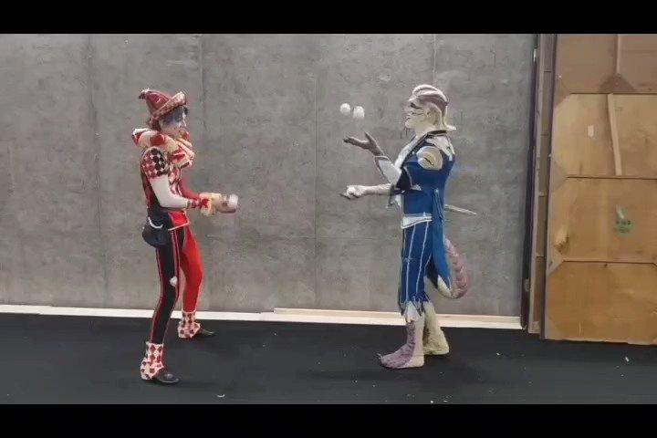 ルキノ役のモウジーンくんもジャグリングが上手で終演後2人で合わせ技してみました^ ^#第五舞台#第五人格