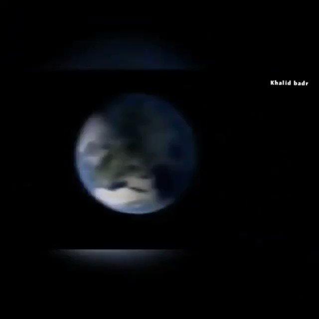 عالم من وكالة #ناسا يقول  قبل إرسال مركبة فضائية وإرسال البشر للفضا، ، علينا حل مشكلة حاجر فضائي يدمر المركبات والأدوات الالكترونية،ويدمر الإنسان!  ولا زال الكثير يصدق كذبة الصعود على #القمر أو حتى إرسال المركبات الفضائية إلى خارج مدار #الأرض . . #حقيقة #فيديو https://t.co/Nc0oblnRD0