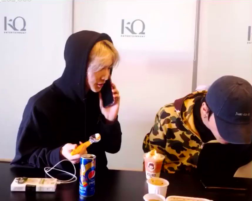 yeosang, on phone: seonghwa has something to say to you wooyoung: [ends call] https://t.co/lm6dZRD6D1