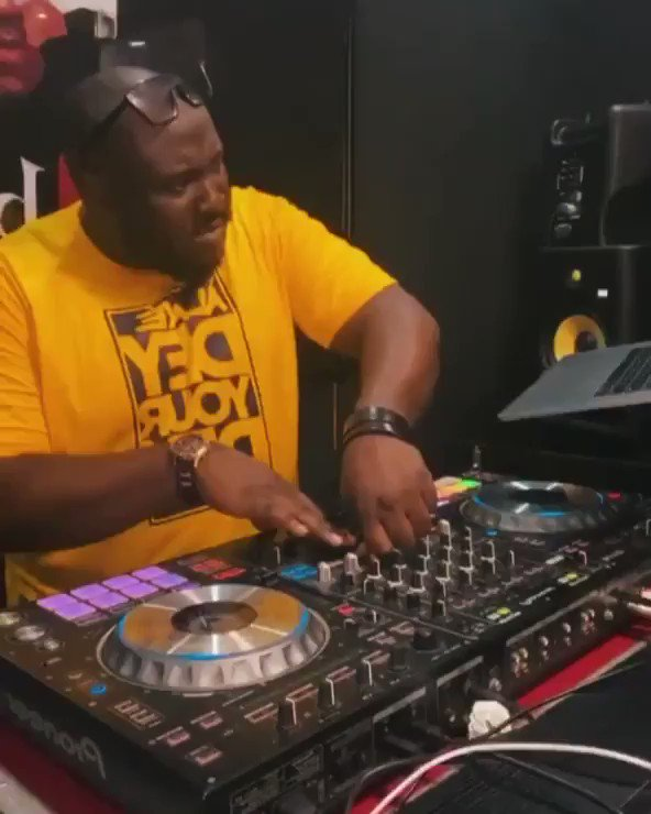When you know it's gonna be a good Weekend, You trap up Rema and ask Kaywise.... What type of Dance is Dis? https://t.co/it6a6zk13e