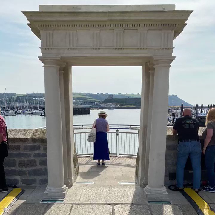 Great tohavebeen in Plymouth onsuch aspecial day. Millions of Americans trace their ancestry to the intrepid Mayflower adventurers, who came from all over England. #Mayflower400