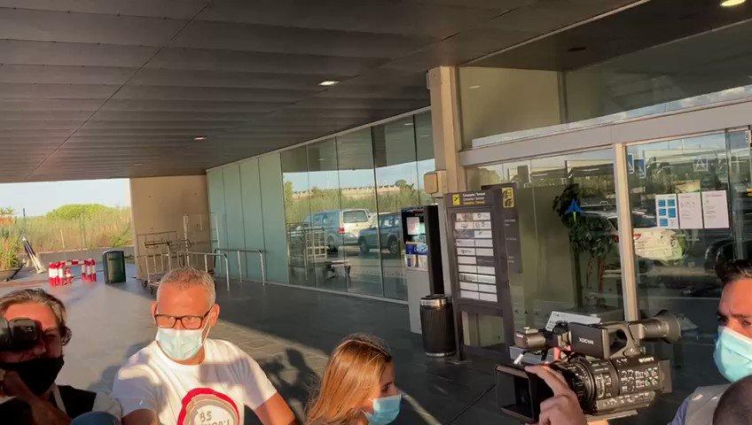🇨🇱🛫Vidal ya se dirige a Milán.  https://t.co/m1zxu3F2Nk