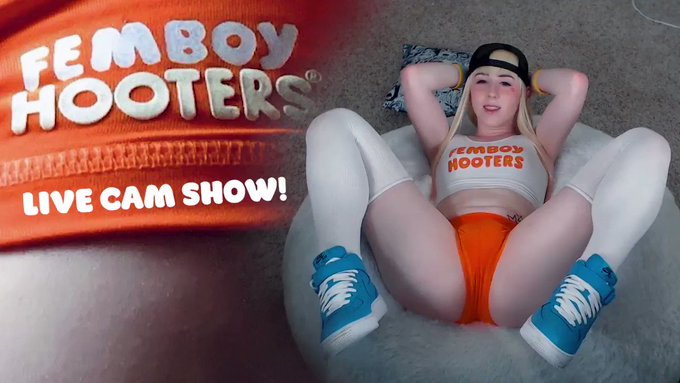 Femboy Hooters boi cams on the side for extra cash 🍑 Here's a preview of the full recording from Thursday's