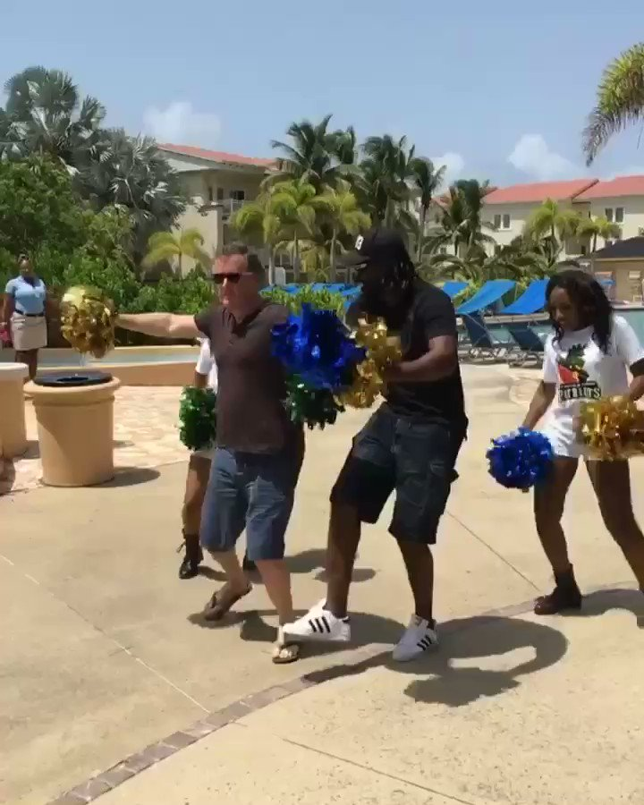 Happy Birthday to the Universe Boss @henrygayle - great batsman, great guy.. but not in my league on the dance-floor. 🕺