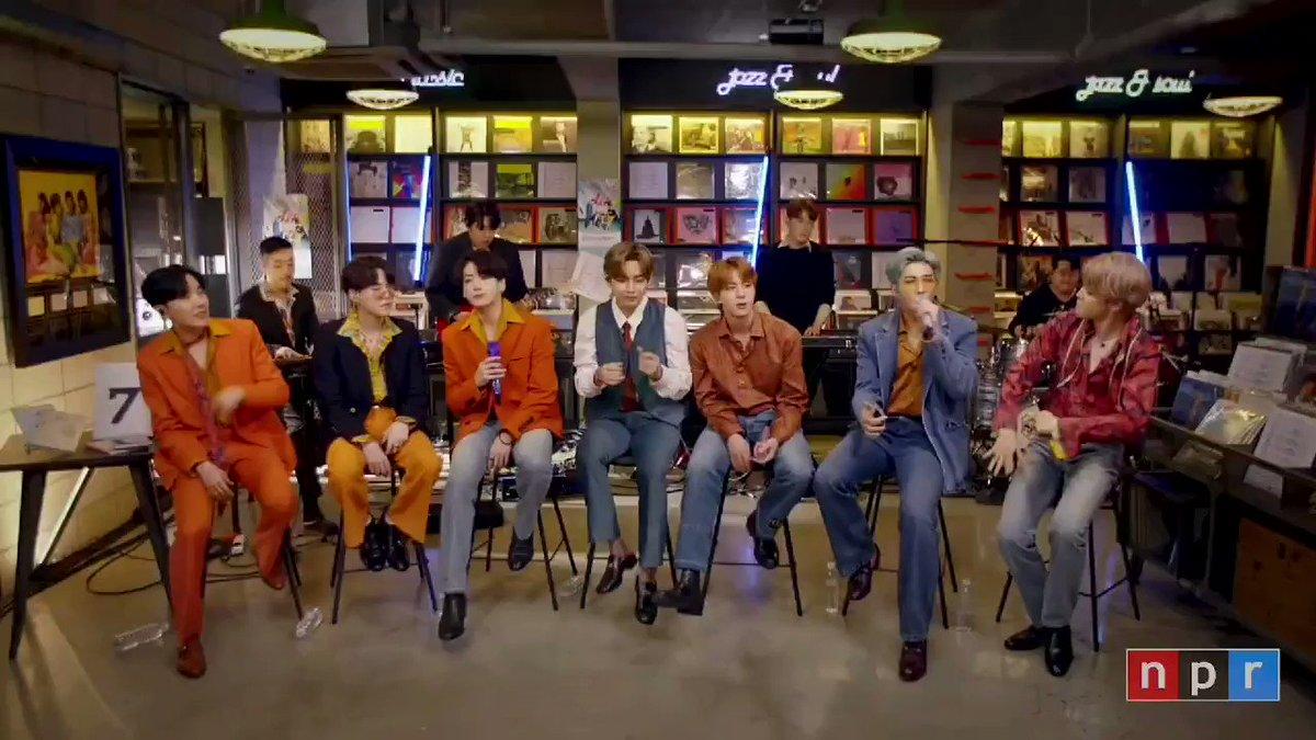 我慢出来ない少年団😆#BTS #방탄소년단 @BTS_twt