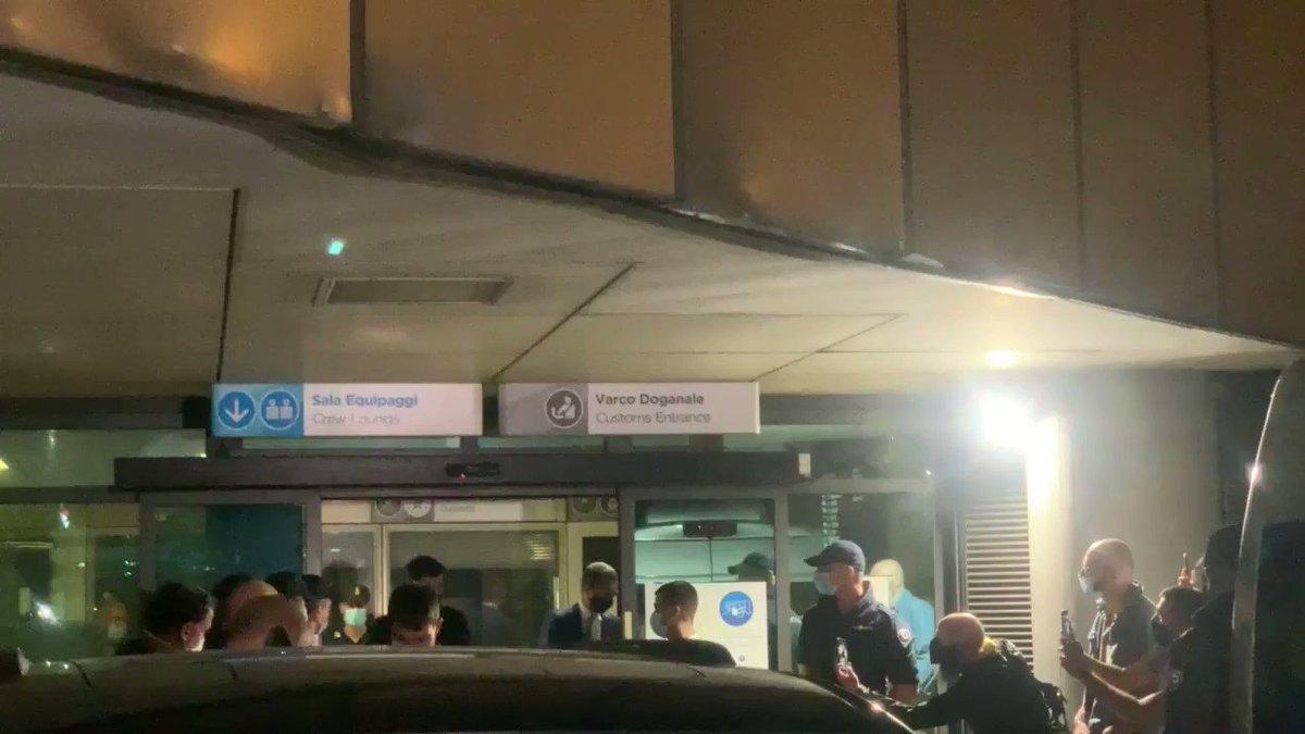 #Juve: #Morata è atterrato a Torino, domani mattina le visite mediche // Morata has landed in Turin ahead of his medical with Juve @Goalitalia @Goal 🇪🇸⚪️⚫️ https://t.co/Cp2OvnP6DC