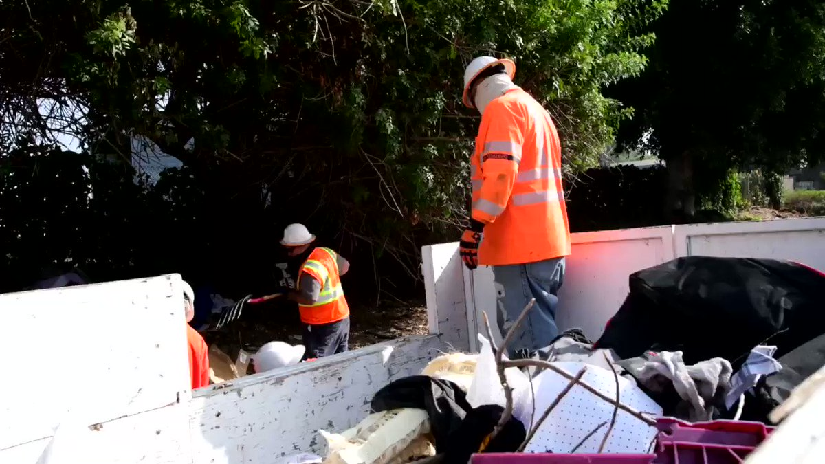 Image for the Tweet beginning: #CoastalCleanup month inspired @CaltransDist7 to