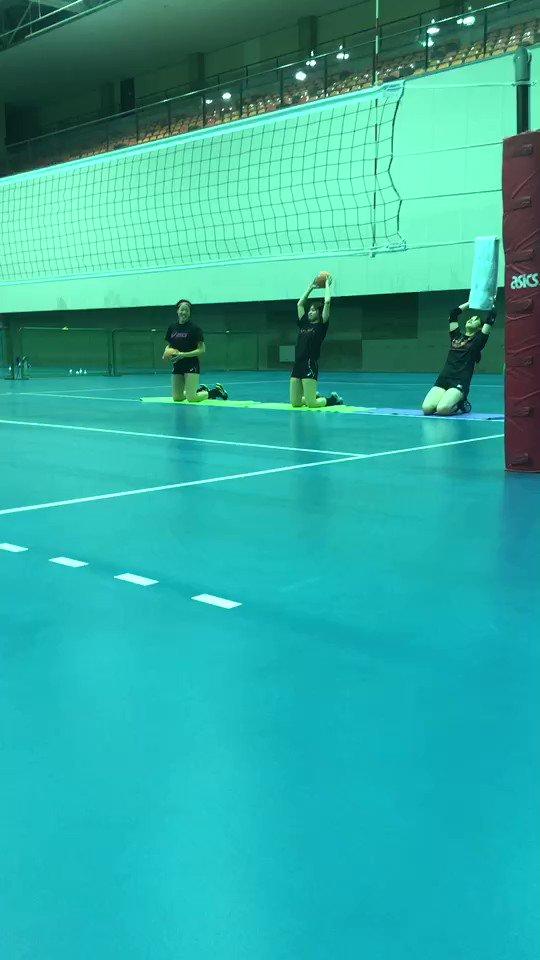 佐藤選手(@uuutan721)のこの動画に触発されてチームでやってみた。佐藤選手…3kgうちの選手達…1kg鍛えねば。