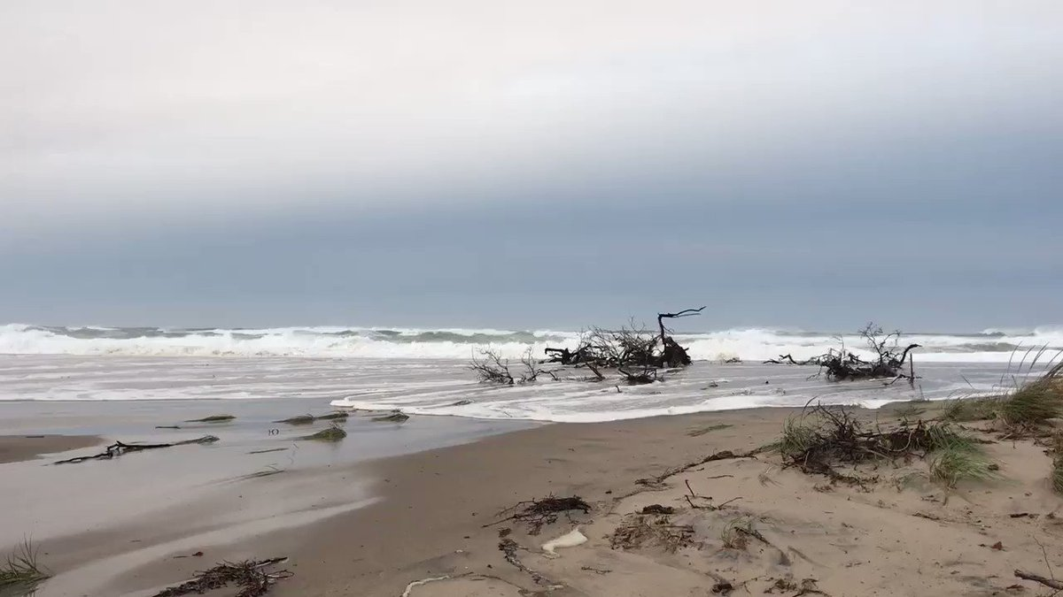 Image for the Tweet beginning: Another breach at Ballston Beach