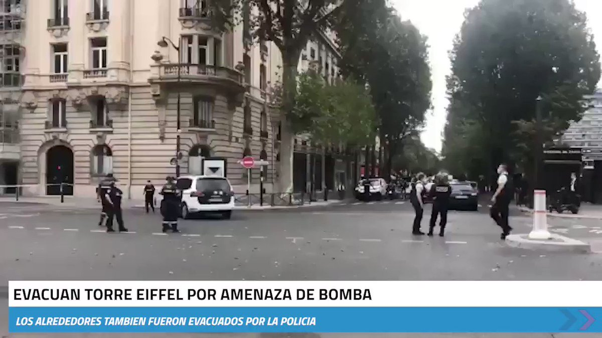 Image for the Tweet beginning: 🚨 La #TorreEiffel es evacuada