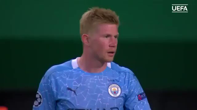NOMINEES: 2019/20 UEFA Men's Player of the Year  🔹 Kevin De #Bruyne 🔹 Robert #Lewandowski  🔹 Manuel #Neuer  For the first time since 2010, no Cristiano #Ronaldo nor Lionel #Messi 😳  🗓️ #UEFAawards winners announced at the #UCLdraw, 1st October 🏆 https://t.co/8XMWVxIgQ0