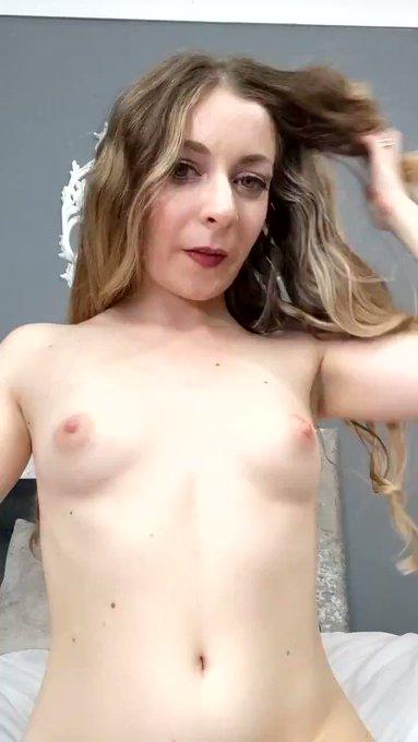 My Titties needs a good massage... Any volunteer? 😏 https://t.co/i3xKeBYpdA