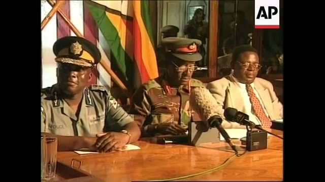 Military entanglement with liberation movements is the greatest threat to peace & security in SADC. This is 2001 in Zimbabwe, the military making it clear that votes dont count in Zimbabwe @DrTaxs @Sophie_Mokoena @peterndoro @ProfJNMoyo @NzouJnr @cazawaty #ZimbabweYadzoka