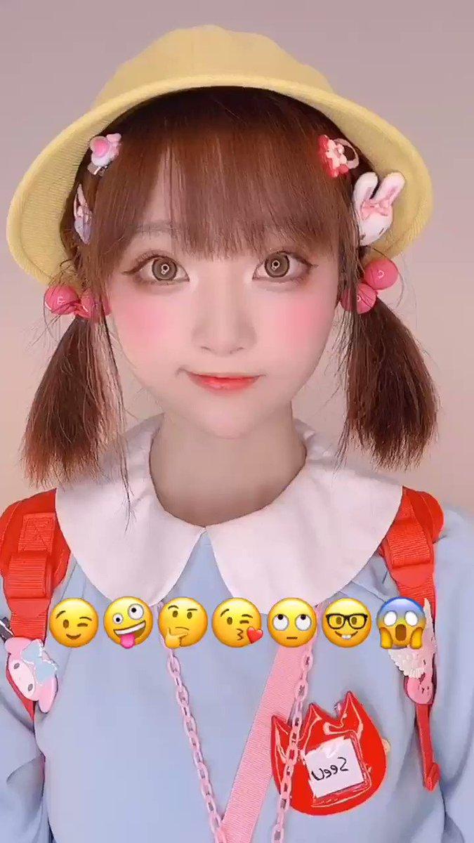 emojiの表情を模したカバン!😜