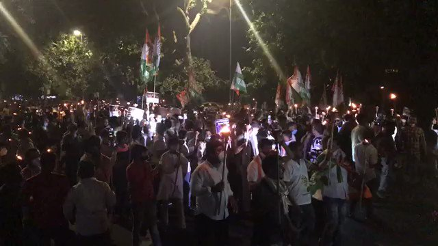 Mashaal rally by @IYC in Delhi against the three anti-farmer agriculture bills. #IStandWithFarmers