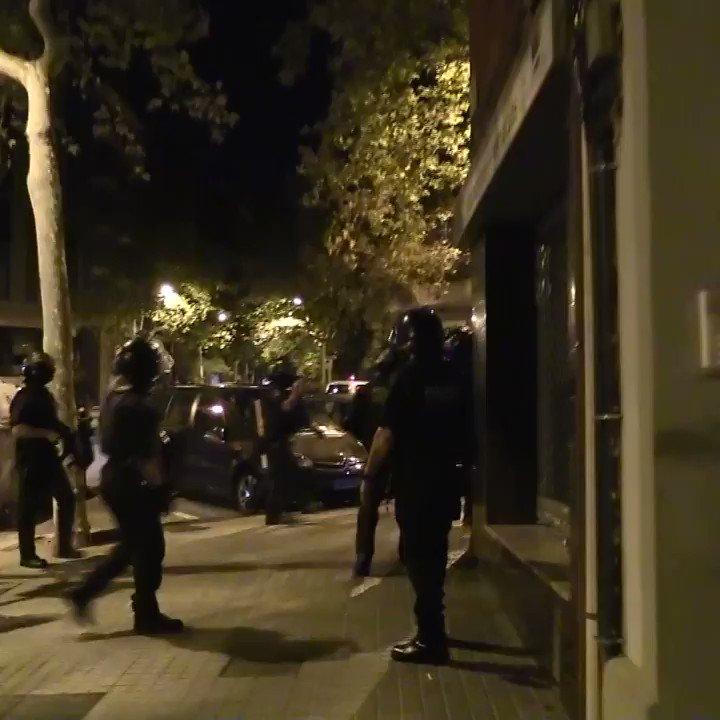 Detenim tres persones i desarticulem una organització criminal dedicada a la sostracció de motocicletes a Barcelona https://t.co/BcPowGHkWX https://t.co/8m9YBHH9jU