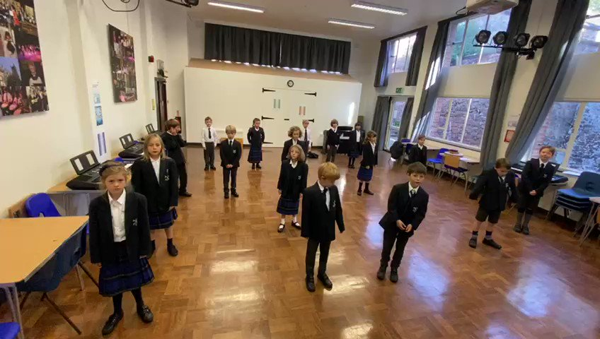 Our Year 3 pupils are enjoying European Day of Languages this morning, singing Dans la Forêt Lointaine #candomusic #languages @ECMLCELV https://t.co/t4C2P6ebHn