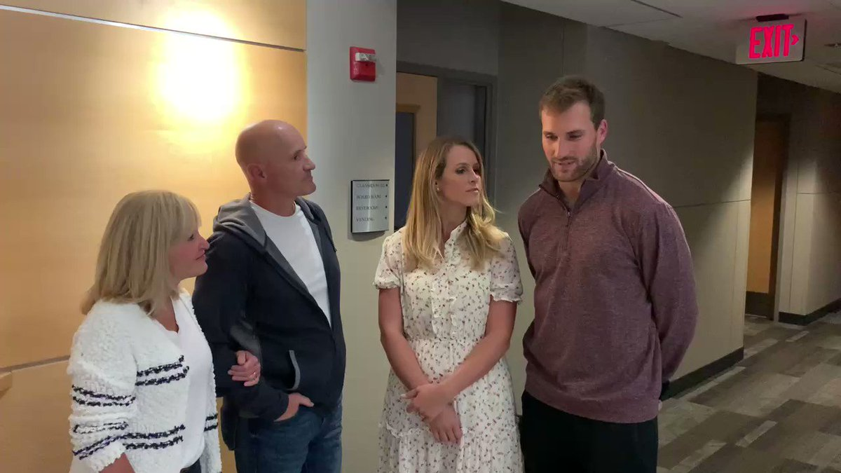 It's Friday w/ the Wilsons AND Cousins!  @DaveAnnWilson are joined for their bi-weekly devo by Minnesota #Vikings QB @KirkCousins8 and his wife Julie, who share their life verse and some thoughts on choosing faith over fear.  Full Video: https://t.co/DD27ZtyhhR https://t.co/kVv64mIYjT