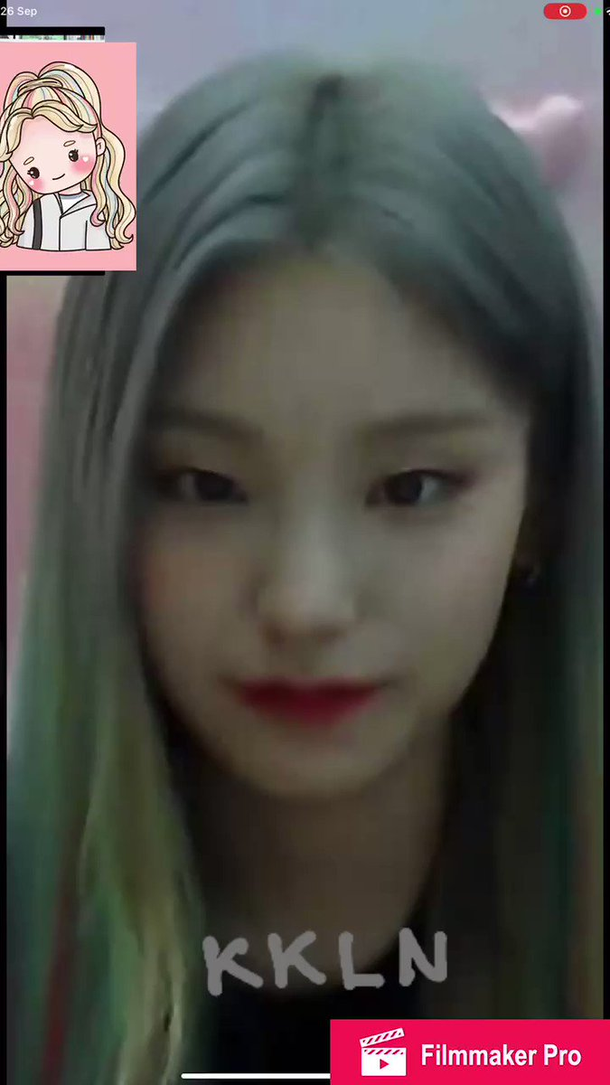 """ITZY's Yeji singing """"Ice Cream"""" during one of her video call events! @BLACKPINK @ygofficialblink"""