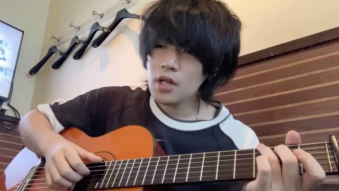 清水翔太さんの花束のかわりにメロディーをという曲です