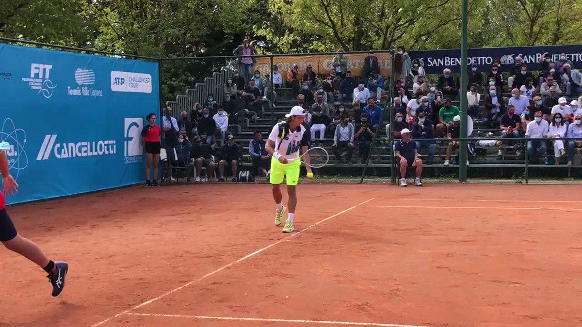 Il sogno è realtà: Lorenzo #Musetti batte Thiago #Monteiro 7-6(2) 7-6(5) e vince gli Internazionali di Tennis Città di Forlì. È il primo titolo Challenger in carriera per il diciottenne di #Carrara 🏆 #Forlì #ATPChallenger #tennis https://t.co/qNEYSZQ34d