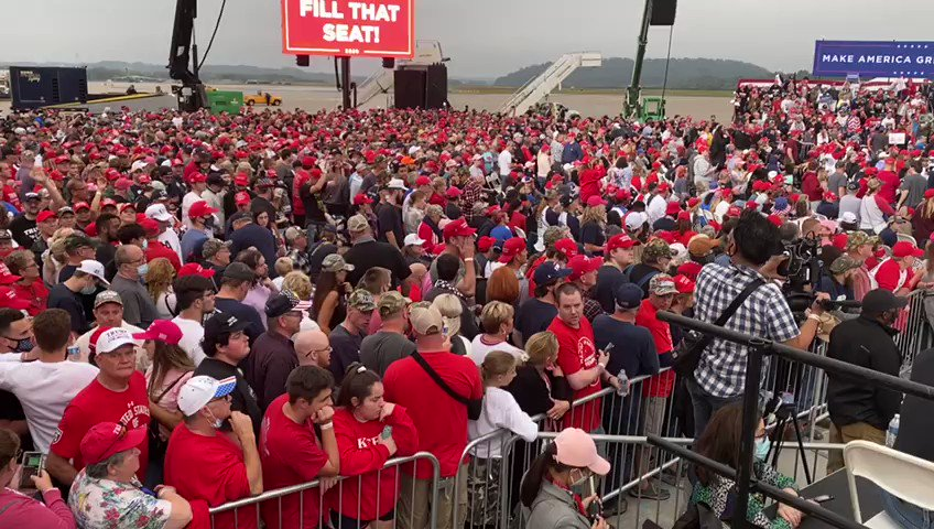 What is looks like when ENTHUSIASM meets STAMINA🤩 MASSIVE overflow crowd in Middletown, PA awaiting our tireless @POTUS @realDonaldTrump to arrive from DC after his official nomination of #AmyConeyBarrett to SCOTUS. #TrumpRallyPennsylvania #TrumpRallyPA