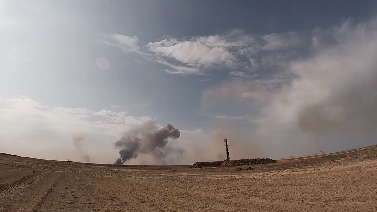 弾道ミサイルの一斉射というのはなんとなく終末感ある・・・。