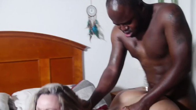 Just made another sale! THREESOME WITH THE PLAYHARDS 40 MIN VID https://t.co/oajG03Kdpd #MVSales https://t